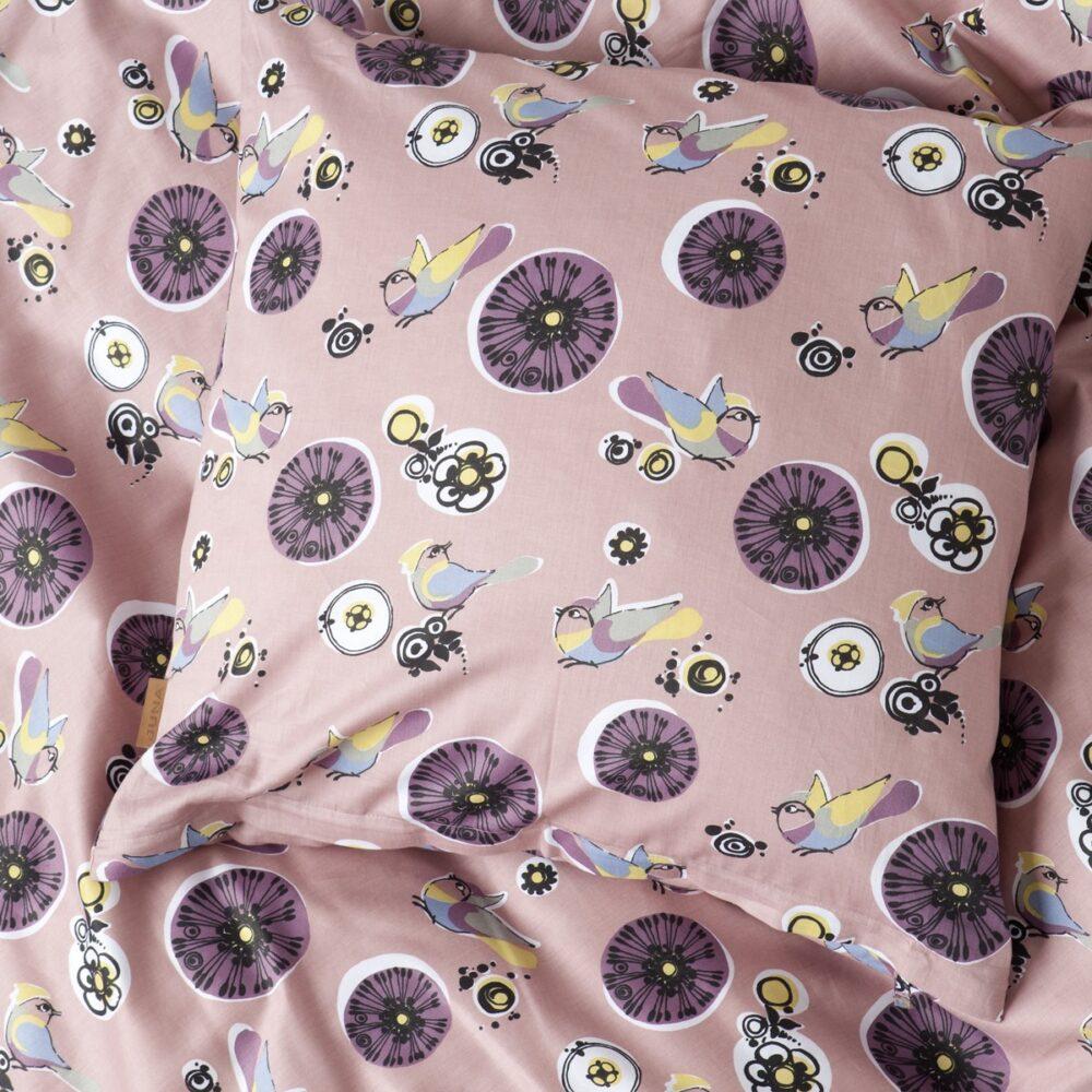Sengelinned Birds rosa fra Juna